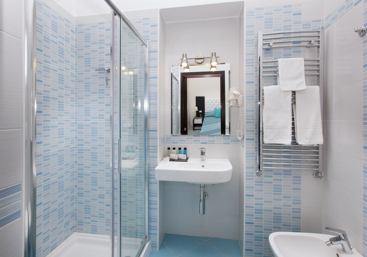 Sorrento bed and breakfast sorrento flats apartments in - Bagno piccolissimo in camera ...